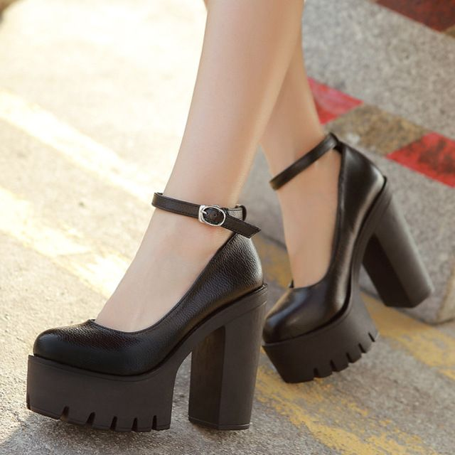 874ce84d11e2 Free shipping 2016 new spring autumn casual high-heeled shoes sexy ruslana  korshunova thick heels platform pumps Black and White
