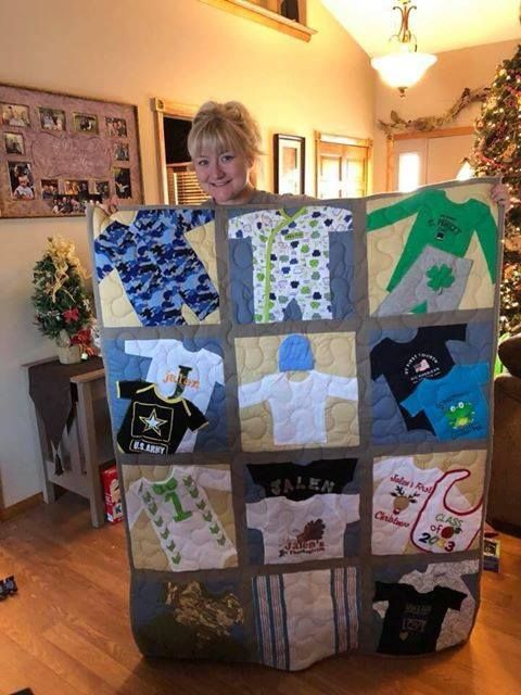 Wee Quilt Made From Baby Clothes Babyclothes Baby