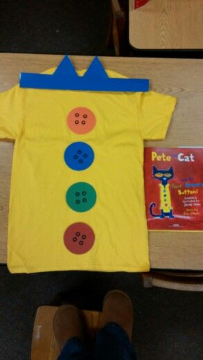 Pete the Cat costume for school. Book Character Day #characterdayspiritweek