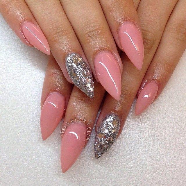 Light Pink Stiletto Acrylic Nails W Silver Glitter Almond Shape Nails Stilleto Nails Acrylic Nail Designs