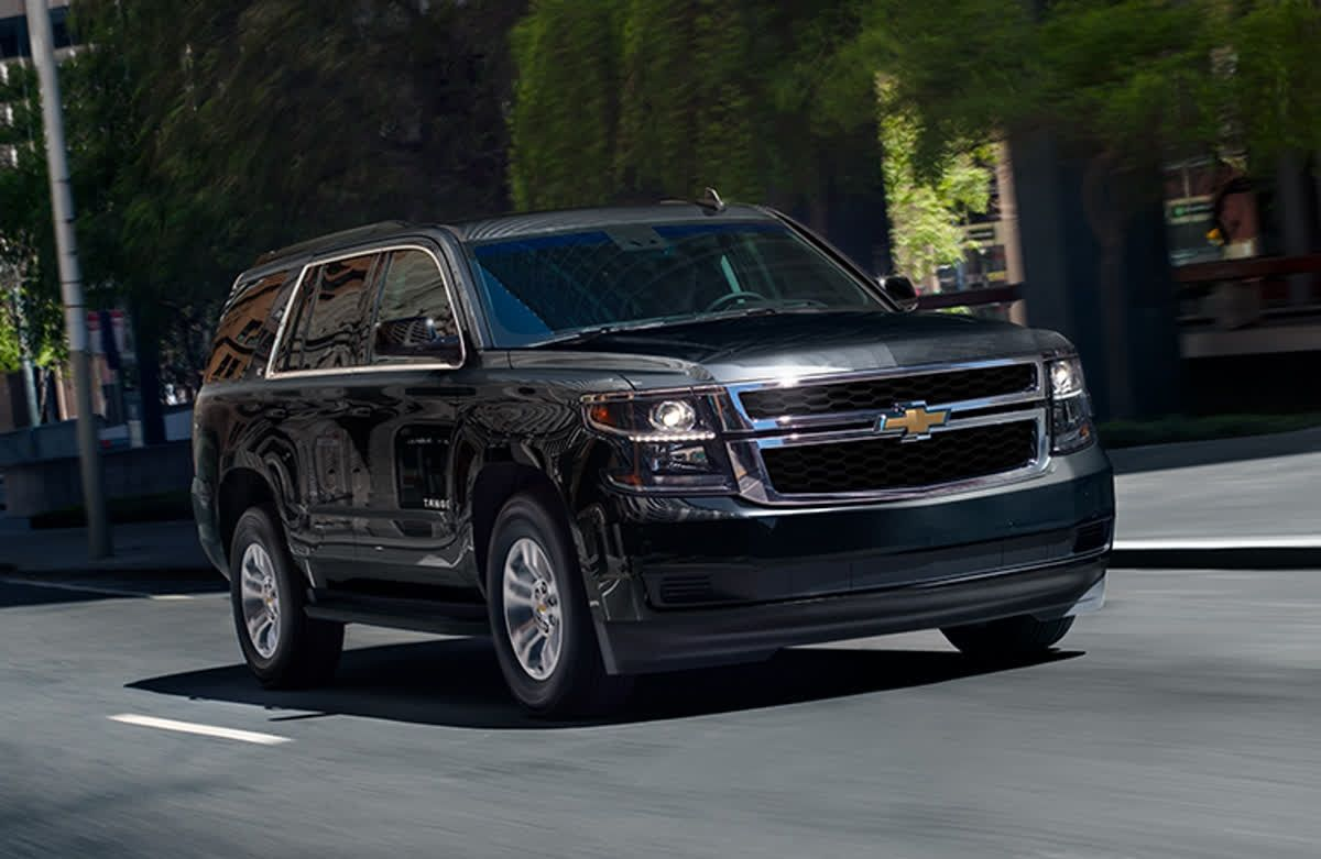 The Chevrolet Tahoe Is A Big Bold 3 Row Suv That Swallows Up People And Cargo And Has Mega Power And Handsome Styling Chevrolet Tahoe 3rd Row Suv Chevrolet