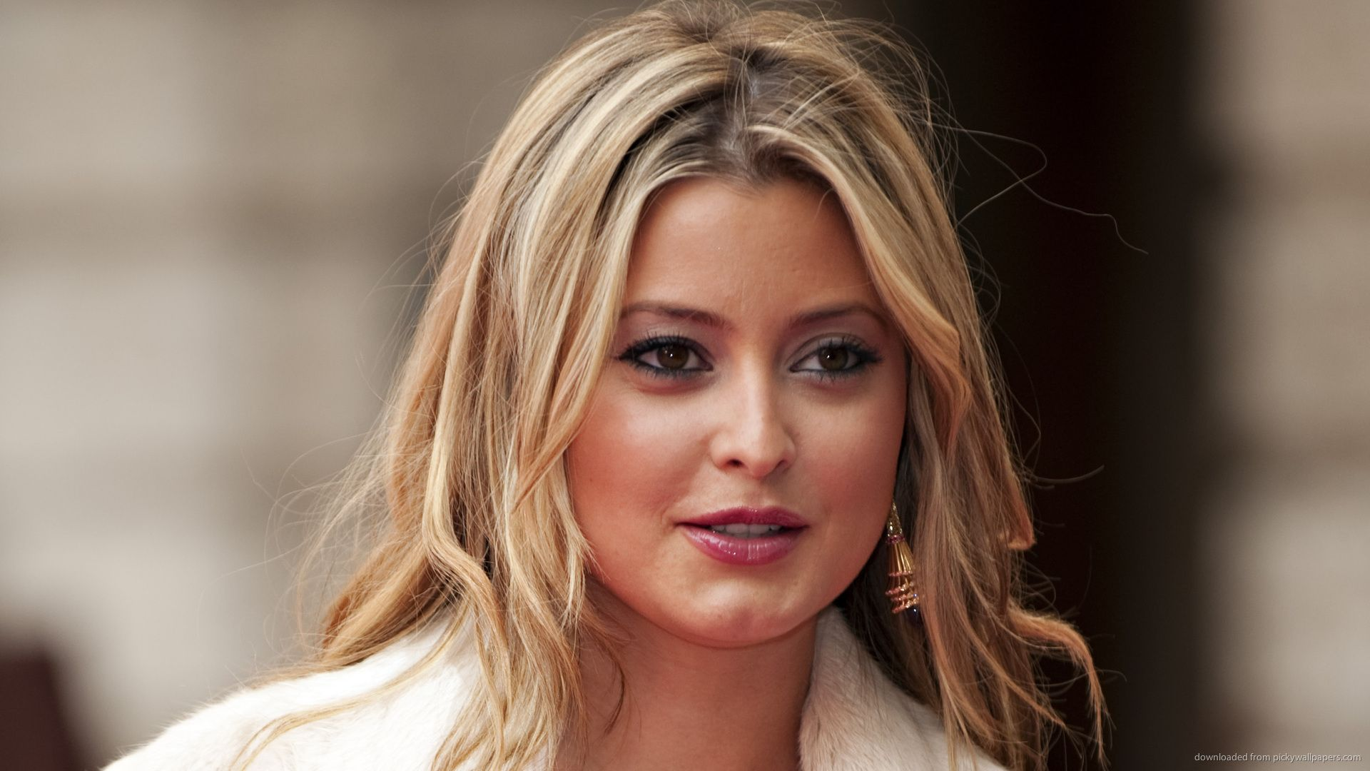 Holly Valance Wallpaper Wallpapers Hd Wallpapers Holly Valance