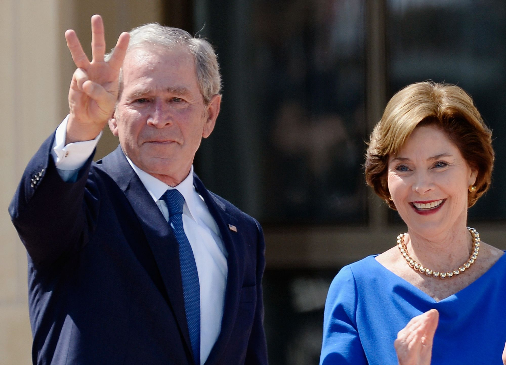 George W. Bush Becomes First President To Do Ice Bucket Challenge - 103.7 KVIL