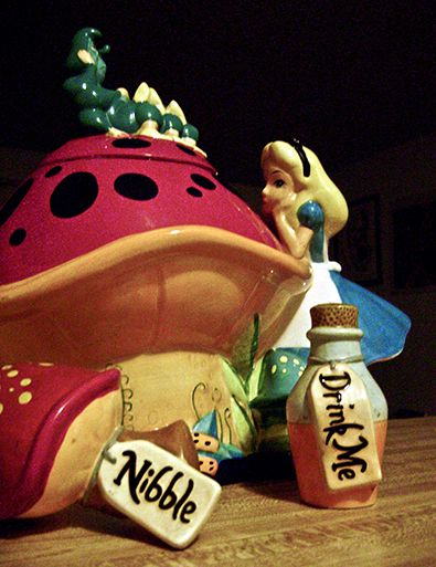 Alice In Wonderland Cookie Jar And Salt And Pepper Shakers