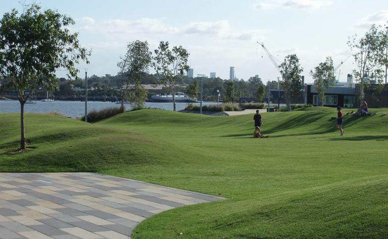 berm hill lawn Landscape architecture, Lawn, Golf courses