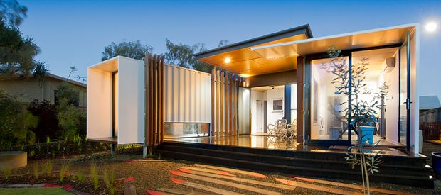 I love the use of shipping containers in architecture. Shipping container  house wins major architecture award for Sunshine Coast, QLD, 2014