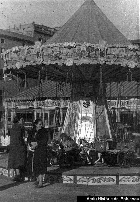 Festa Major [1950] Festa Major. Atraccions infantils. Carrusel.