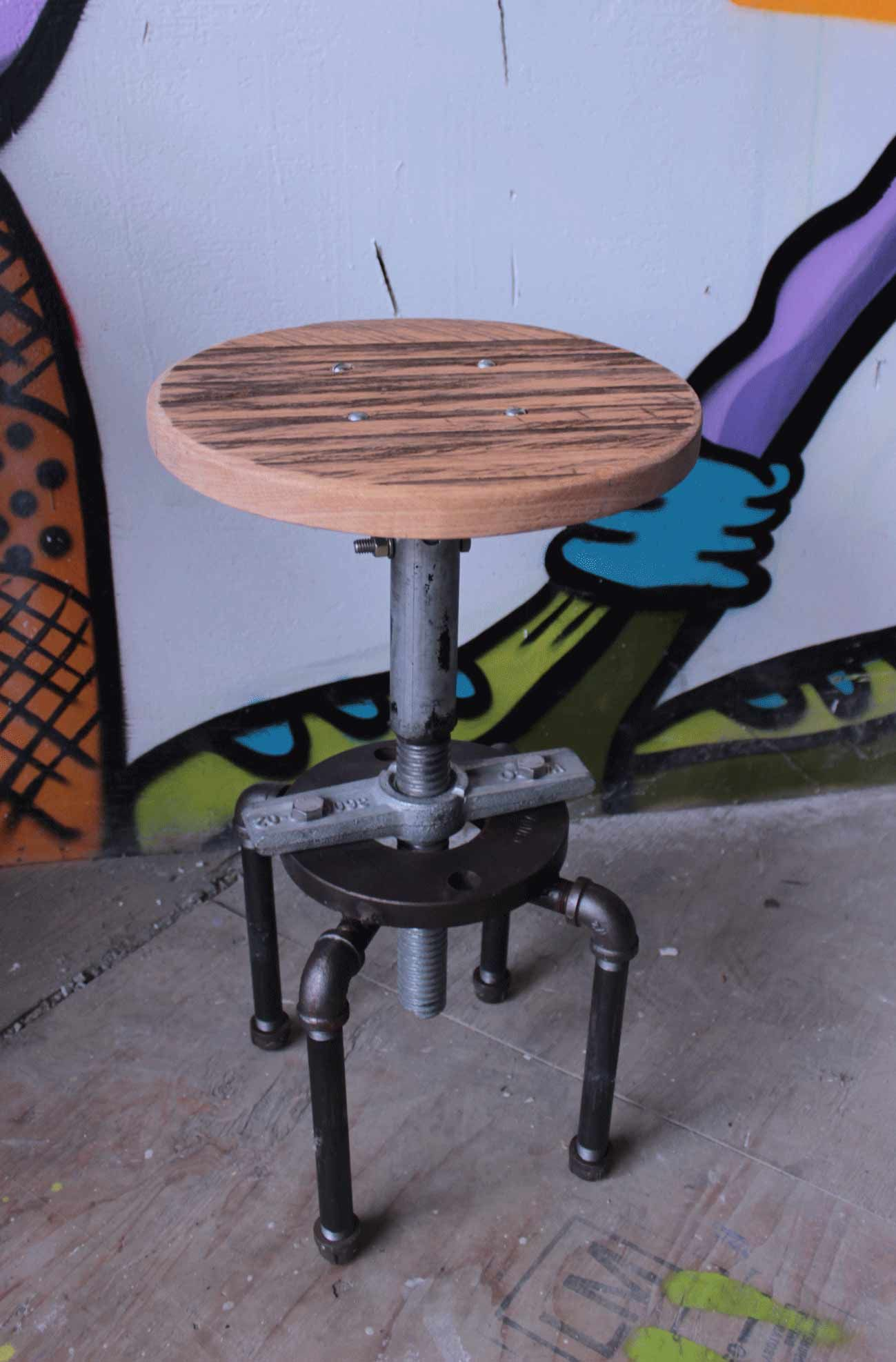 Diy Adjustable Table Legs Adjustable Height Swivel Stool The Legs Are Made From
