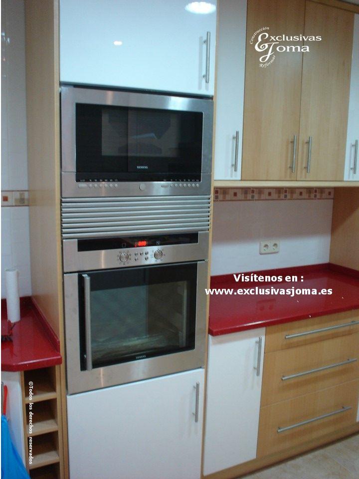Muebles de cocina para chalet en soto vi uelas en tres - Muebles lacados en blanco brillo ...