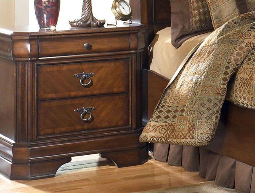 Table de nuit - 100,00$ Endommagé Collection Hamlyn /B527-93 ...