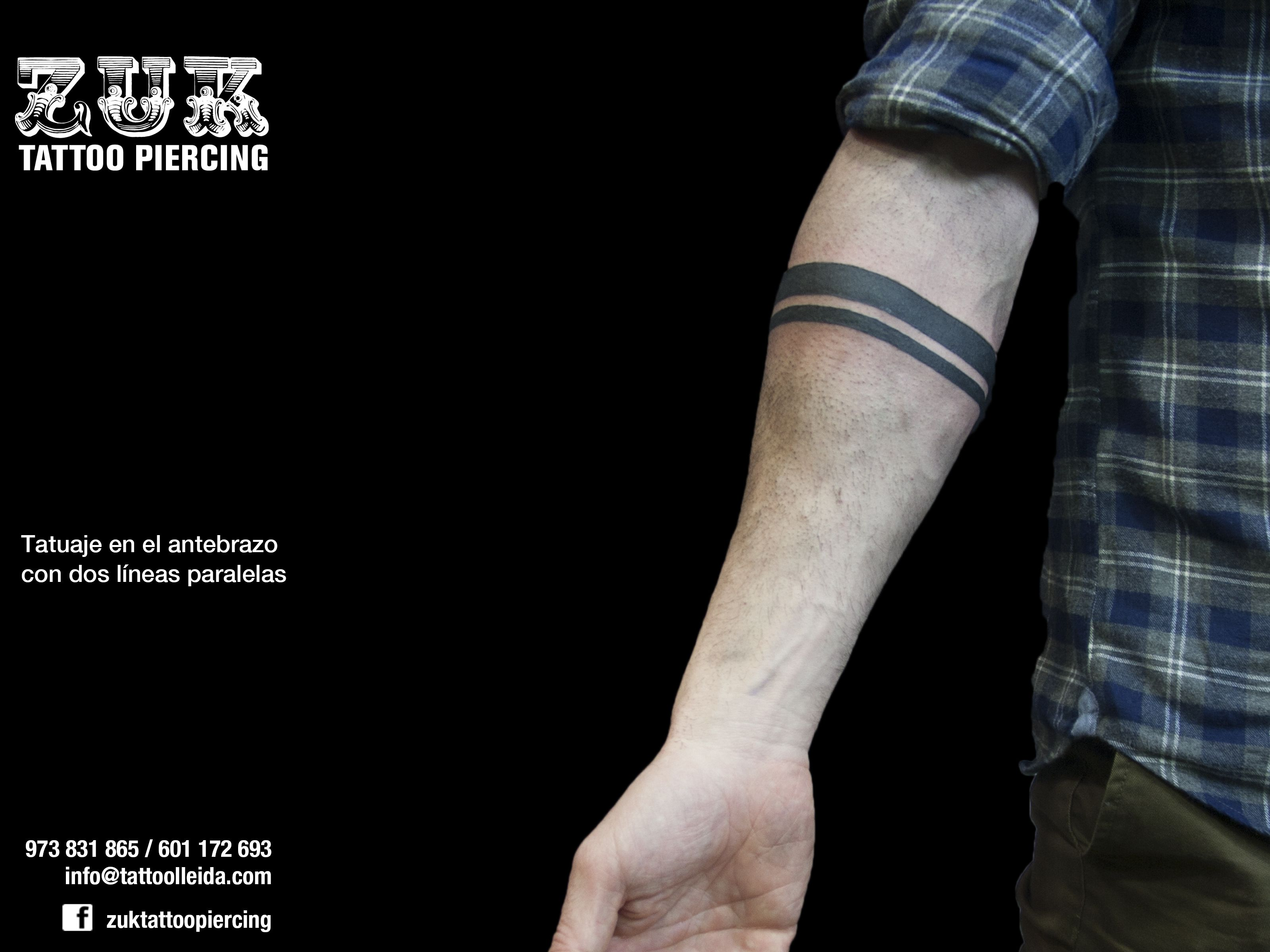 Tatuaje En El Antebrazo Con Dos Líneas Paralelas Tatuajes