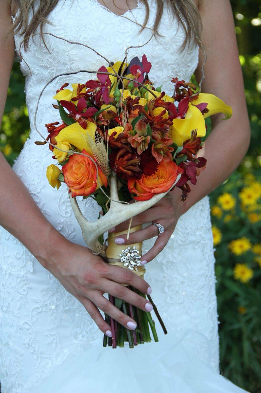 Chrystal Schilz S Wedding Hunting Bouquet Wedding Flowers