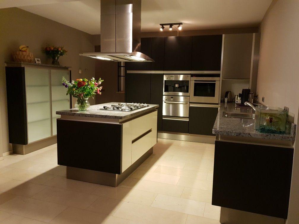 Onze keuken laten wrappen naar mat zwart huis kitchen home