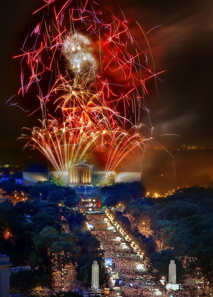 Philadelphia's July 4th celebration has with the country's largest free outdoor concert and fireworks display. (Photo by G. Widman for GPTMC)