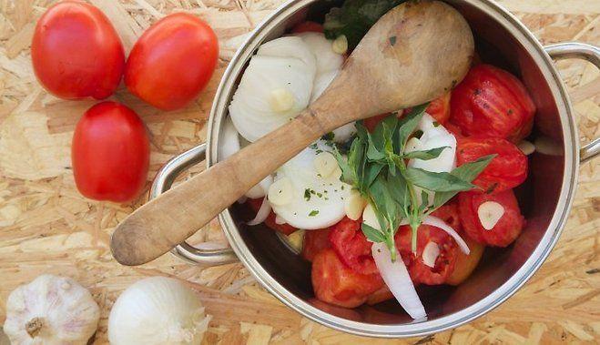 Lai neaiziet postā: ko pagatavot no ļoti gataviem tomātiem