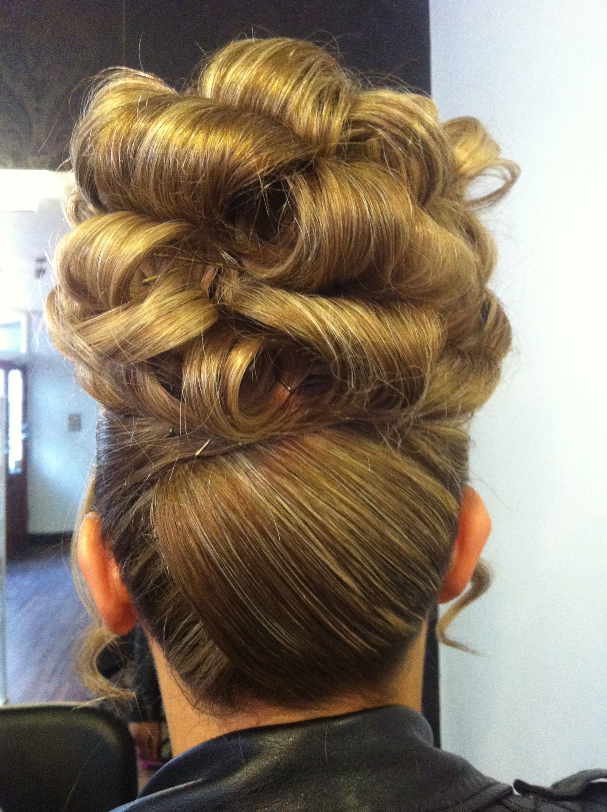 Barrel curl updo Hair Pinterest Barrel curls, Updo