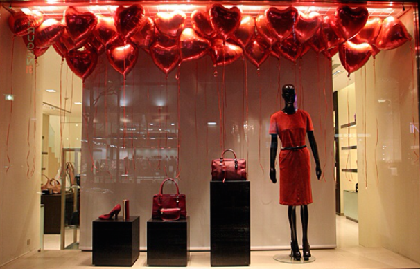 Escaparates san valent n debenhams banana republic i - Ideas para escaparates ...