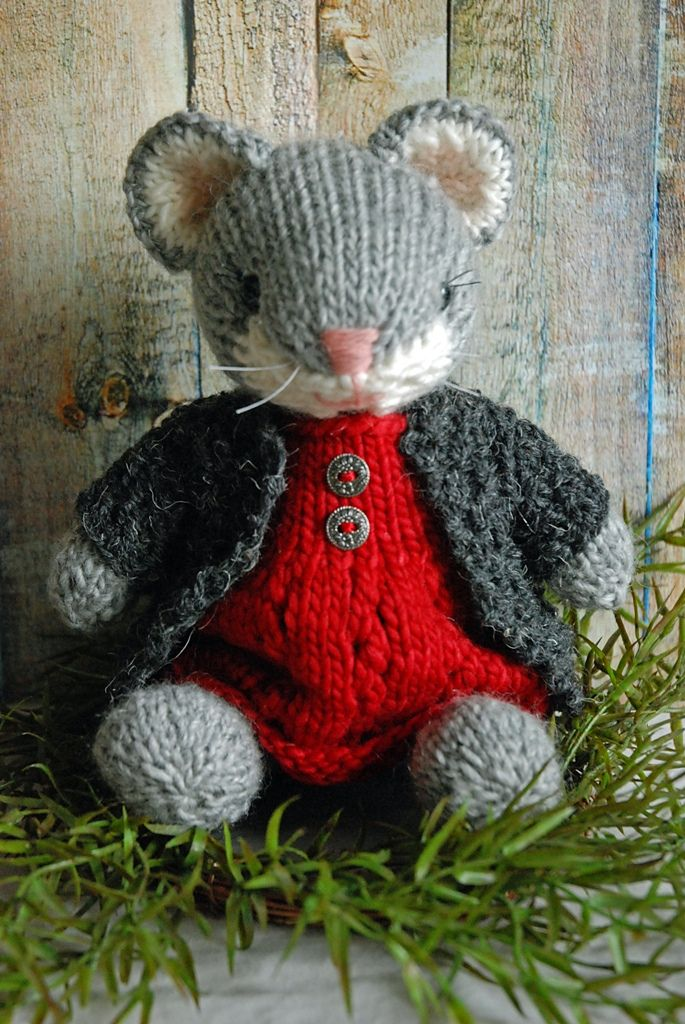 Ravelry: yarngirl69's Esmerelda the Mouse (With images ...