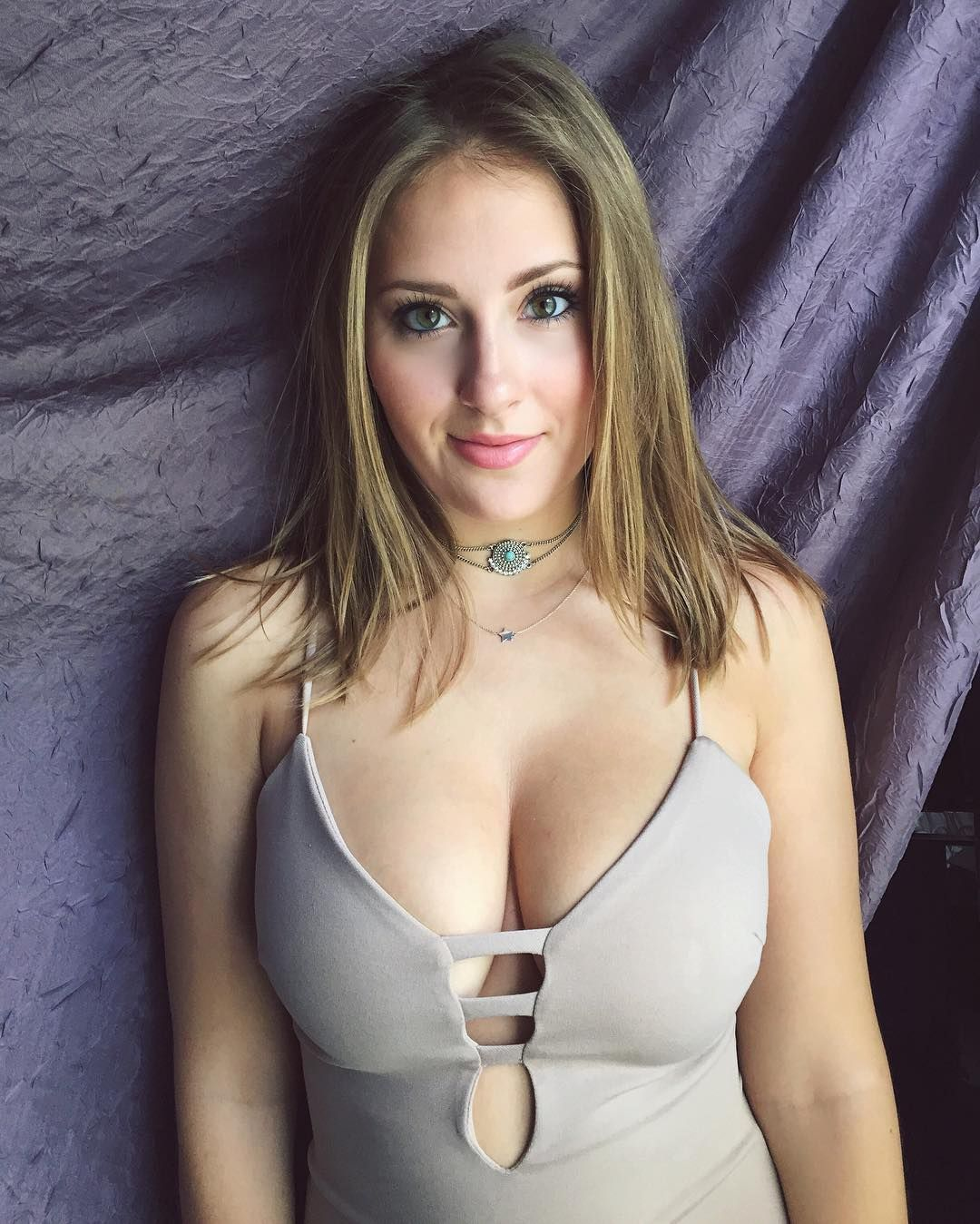 Is a cute Claire Abbott nude (34 images), Pussy