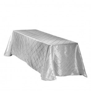 90 X 132 Inch Rectangular Polyester Tablecloth White On A 6 Foot  Rectangular Table