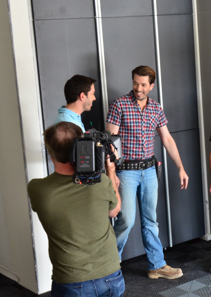 We Can T Wait To See How These Property Brothers Used Tailored Living Spruce Up Drew S Honeymoon House On Their New Show Airing This Thanksgiving Season