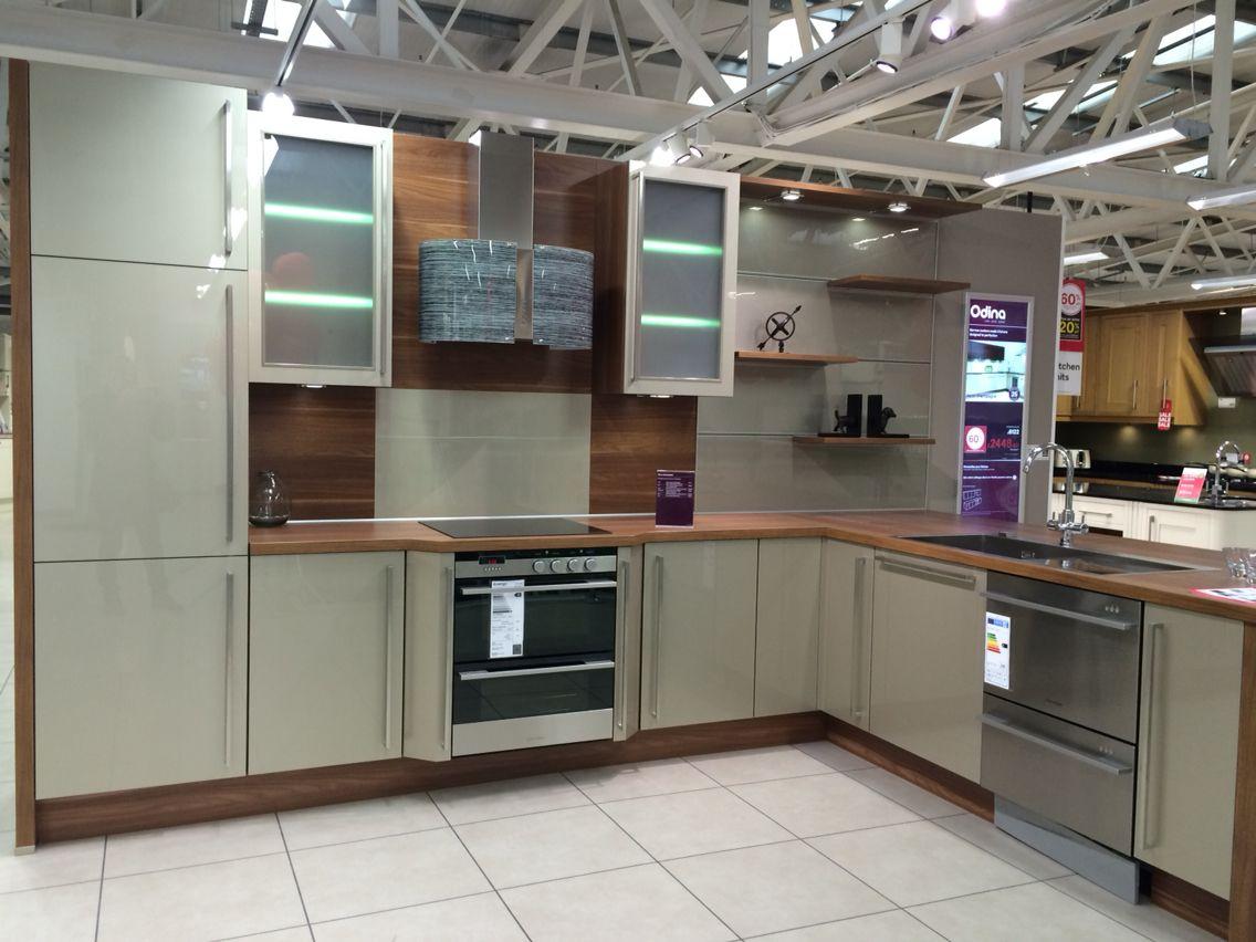 White apron homebase - Odina Kitchen Homebase Craigleith