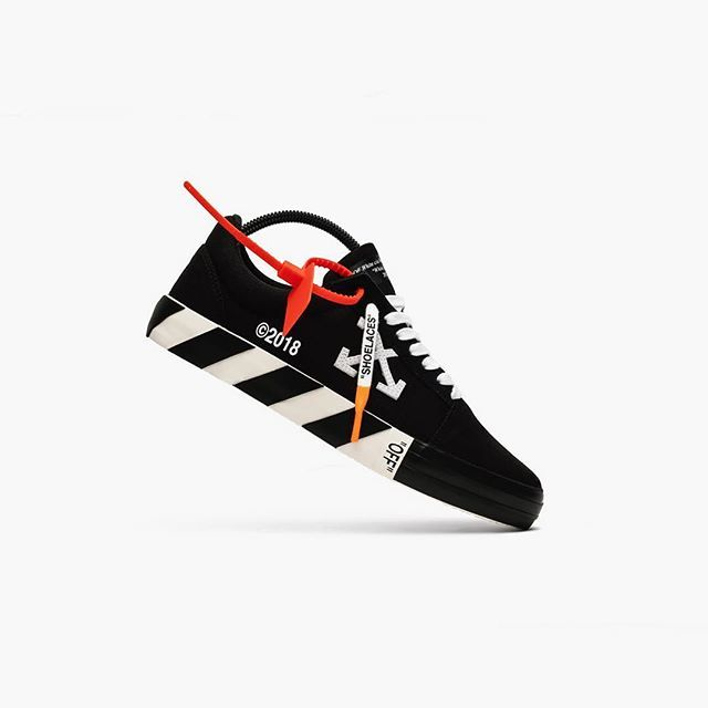 ⚪️OFF WHITE Vulc Low Top ⚫️ Elevate your sneaker game