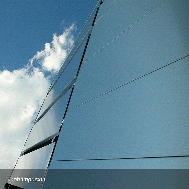 "Foto di philippusxiii ""#inTO #torino #sky #beautiful #city #italia #italy #piemonte #fotografia #google #nexus5 #politecnico"