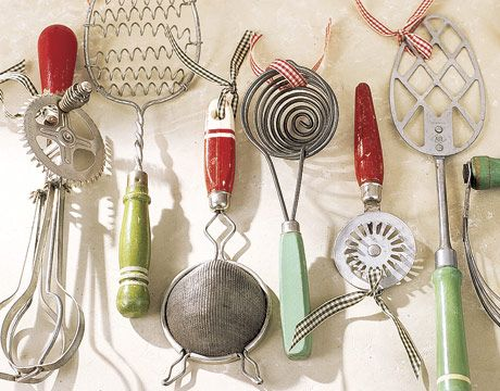 I Love This Idea Use Old Kitchen Gadgets As Ornaments Vintage Kitchen Gadgets Vintage Kitchen Utensils Vintage Kitchen
