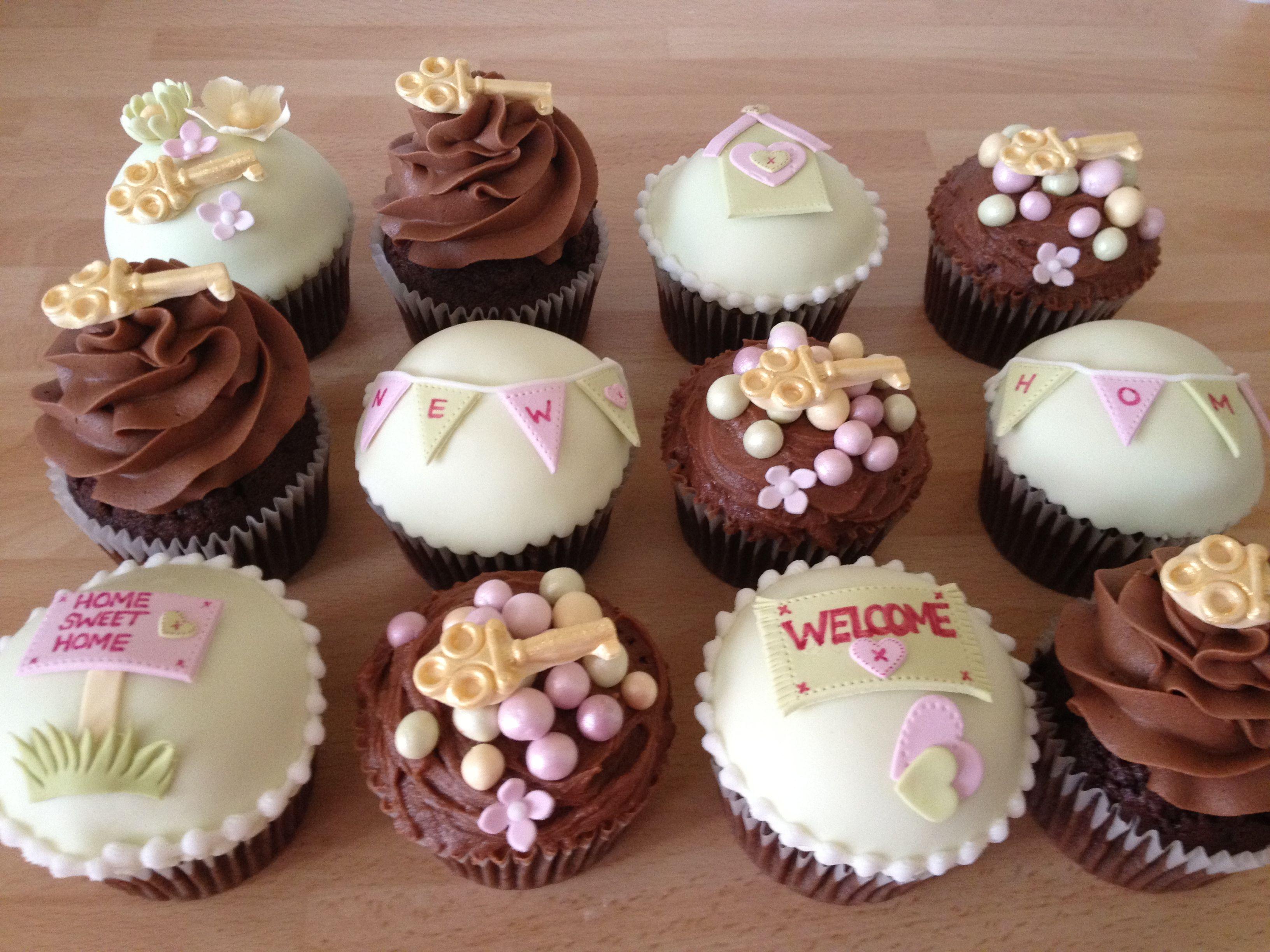 Housewarming cupcakes | cupcake | Pinterest | Decorated cupcakes ...