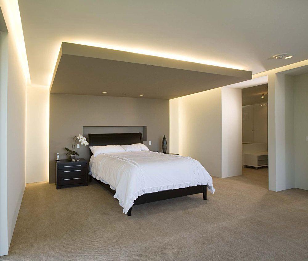 Photo of Vari lavori in cartongesso per questa camera da letto moderna: controsoffitto co…