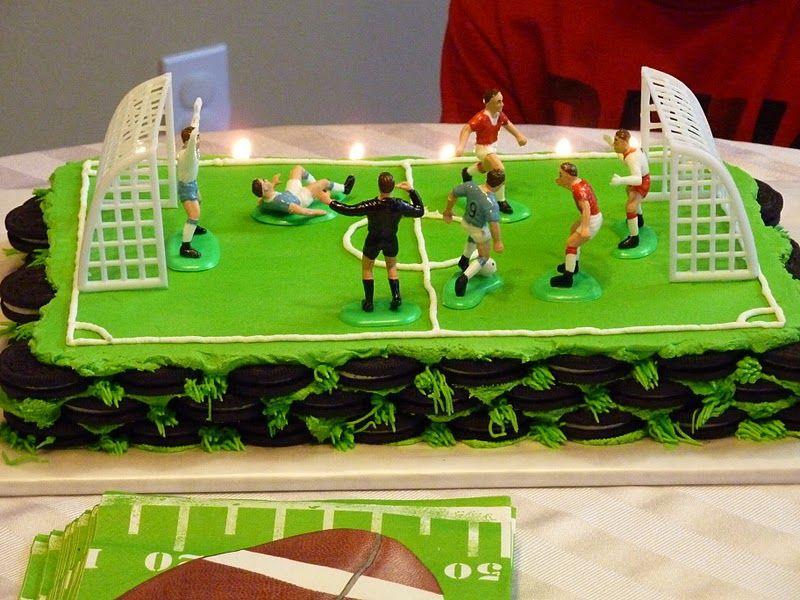 Soccer Field Cake Thefoodventure Com Fiestas De Futbol Tortas De Cumpleanos Cumpleanos Hombre Arana