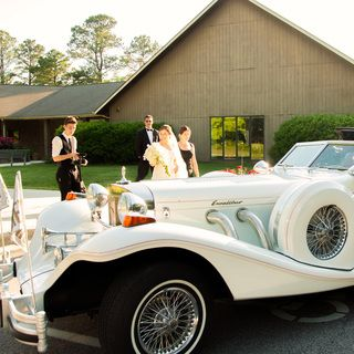 Give Your Wedding A Grand Feel And Look With Our Wedding Car