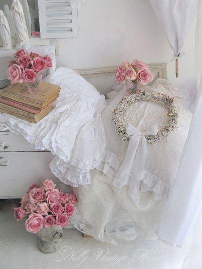 Elegante in bianco shabby