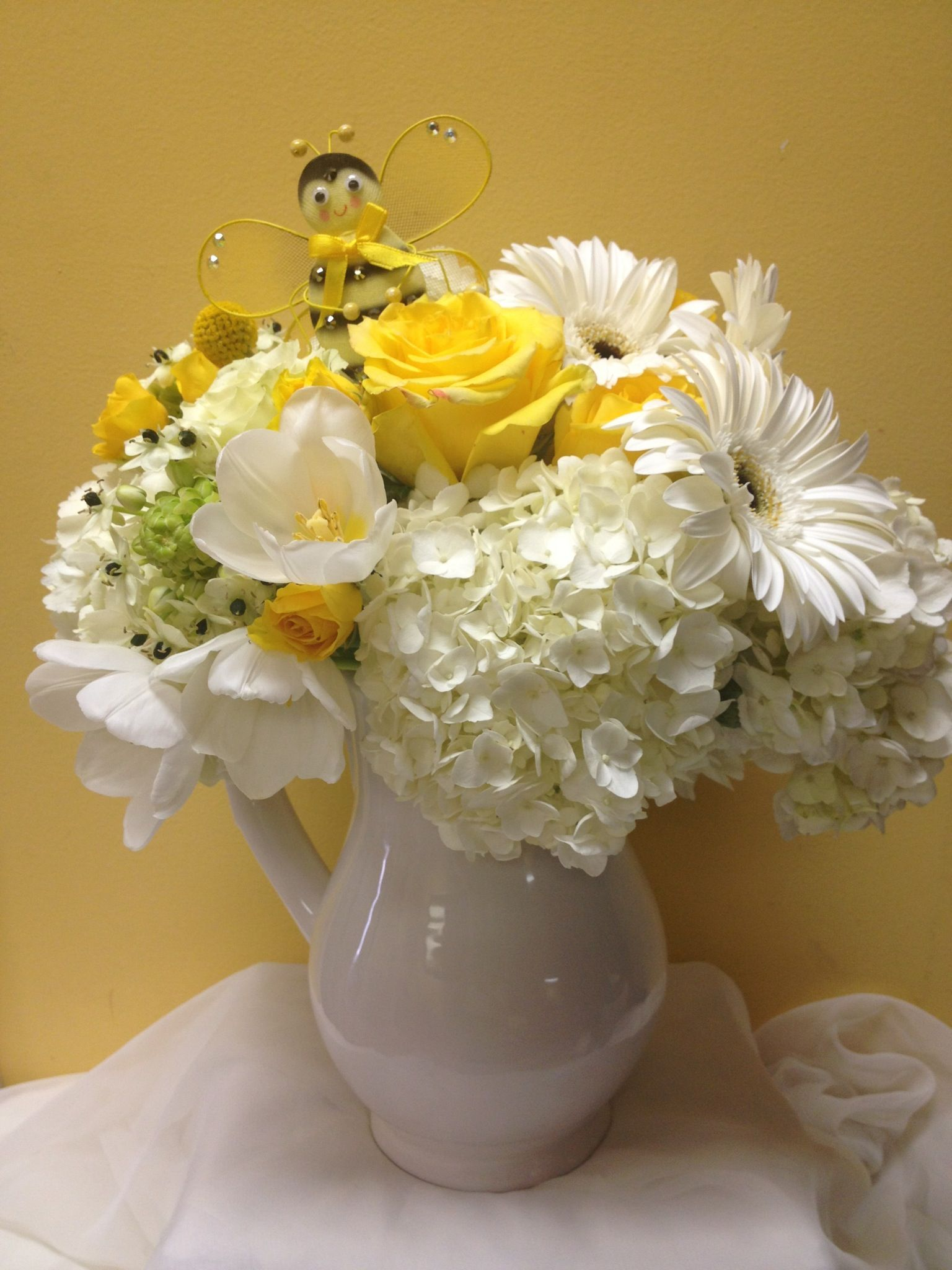 Bee theme centerpieces by Dezign Shop (With images) Bee