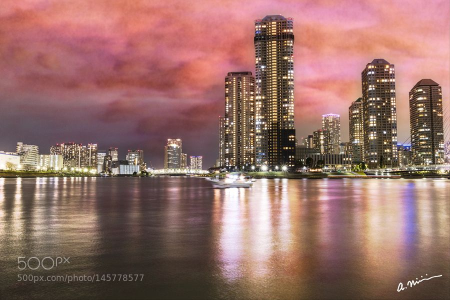 Sunset of RiverCity by funkyfoto #architecture #building #architexture #city #buildings #skyscraper #urban #design #minimal #cities #town #street #art #arts #architecturelovers #abstract #photooftheday #amazing #picoftheday