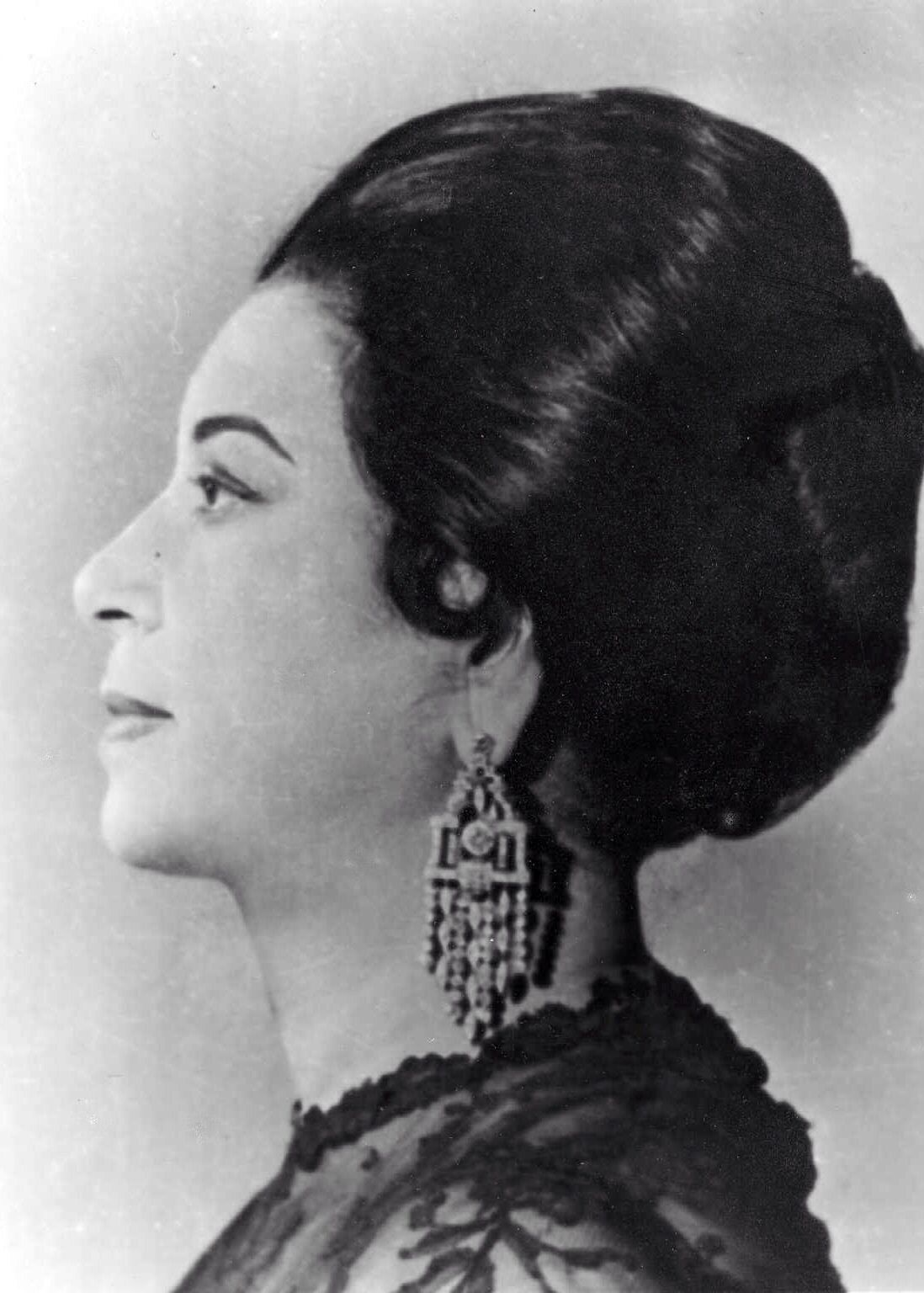 أم كلثوم Um Kalthom Egyptian Actress Umm Kulthum Vintage Photos Women