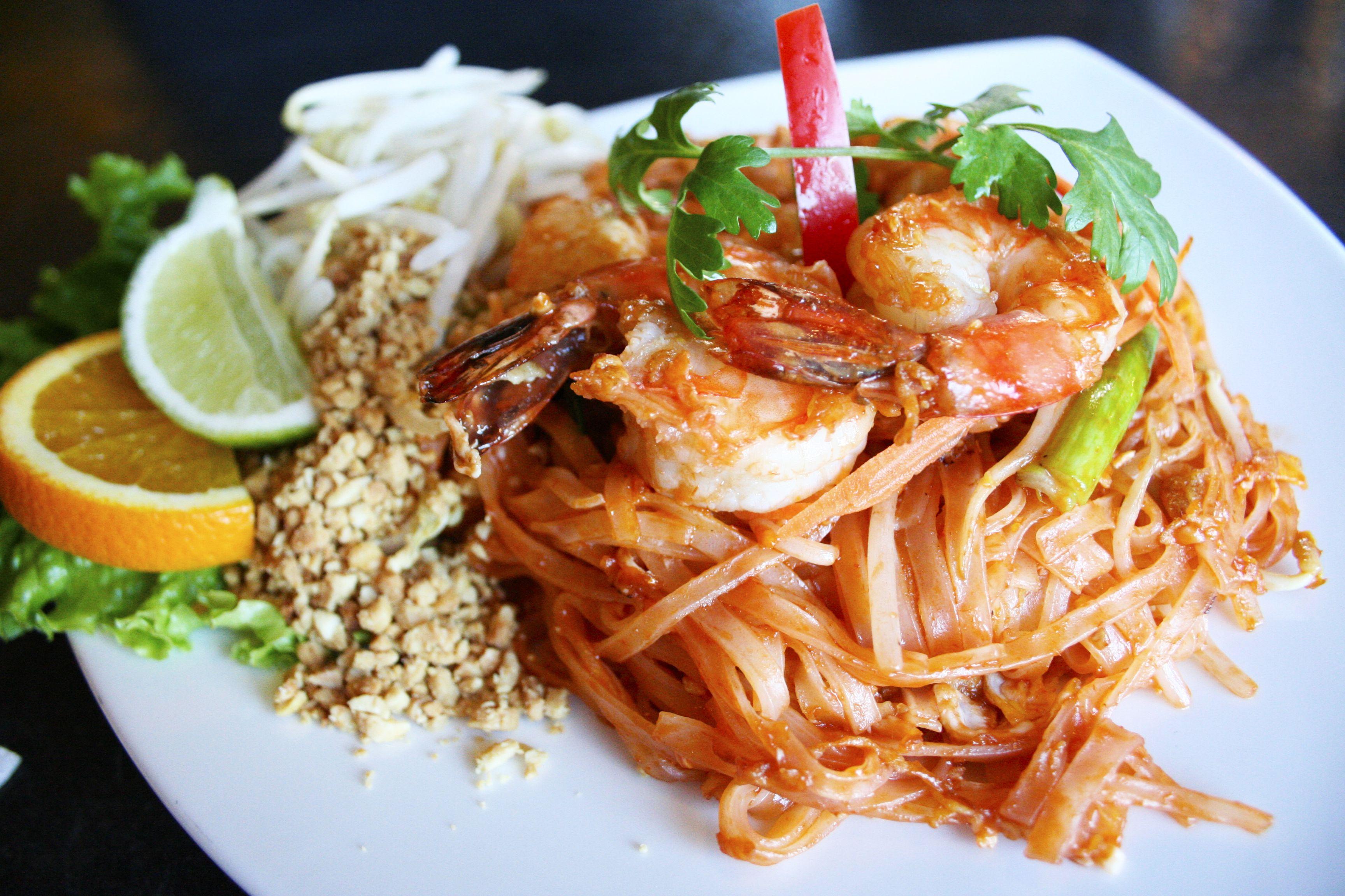 10 Essential Ingredients Of Thai Cooking Pad Thai Thai Cooking Healthy Cooking