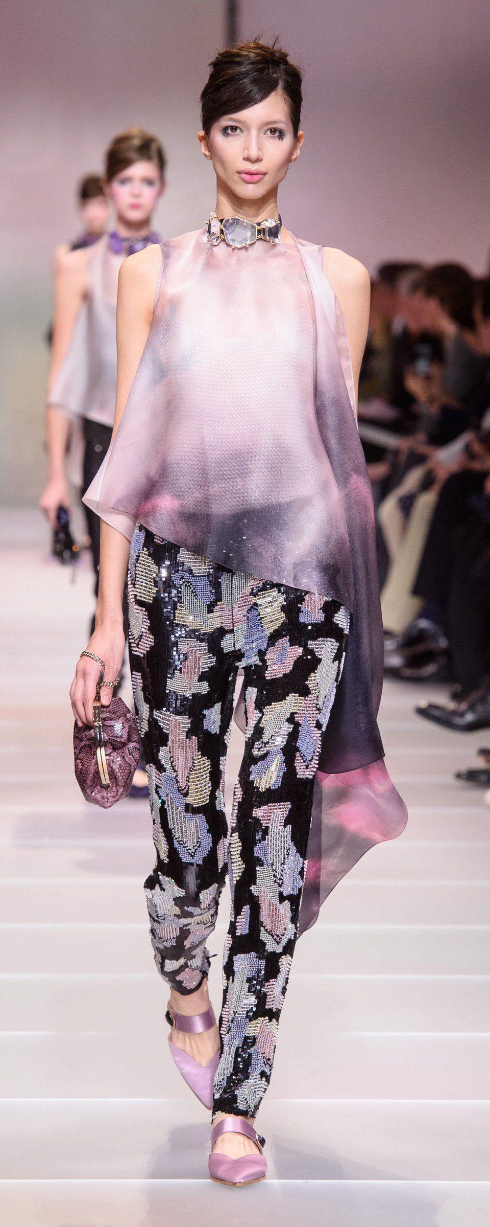 cb507795d87 Giorgio Armani Privé Spring-summer 2018 - Couture - http   www.