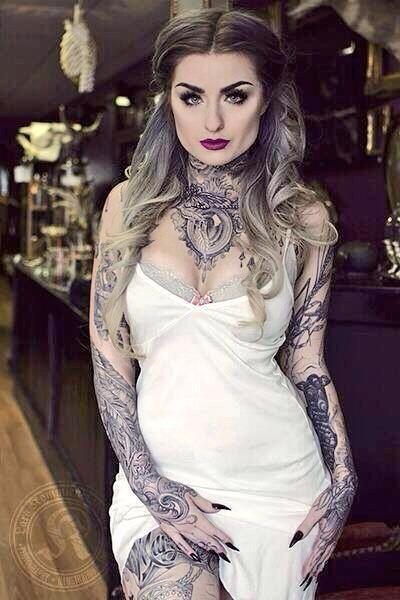Pin By Sarah Castorena On Tattooed Trend Girls Ryan Ashley Tattooed Girls Models Hot Tattoo Girls
