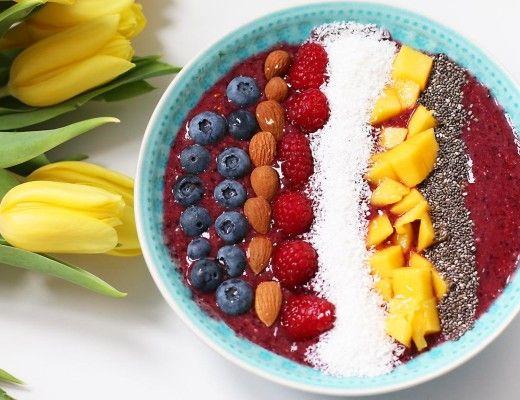3 gesunde fr hst cksideen a a kokos quinoa und chia pudding acai bowls buddha bowls co. Black Bedroom Furniture Sets. Home Design Ideas