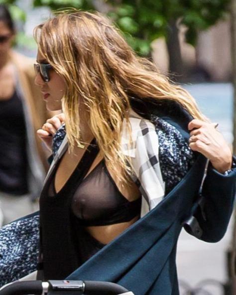 Jessica alba boob grab