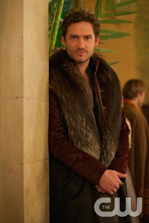 """Reign -- """"Getaway"""" -- Image Number: RE211a_0172.jpg -- Pictured: Ben Aldridge as Antoine -- Photo: Sven Frenzel/The CW -- © 2014 The CW Network, LLC. All rights reserved."""