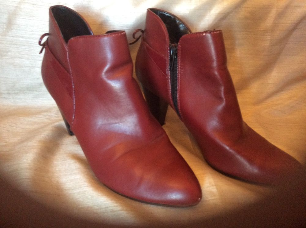 e35b461e4c1ad Womens Coach and Four ankle boot size 6 1/2M in burgundy color w ...