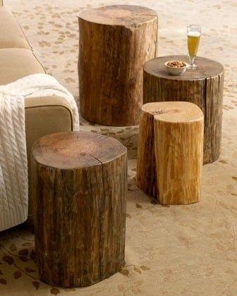 De jolies souches de bois brut en guise de tables d\'appoint. C\'est ...