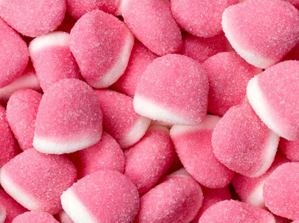 cd1083b8c Prepara gomitas caseras sabor fresa. Las gomitas son un snack ideal para  cualquier hora que a todos les encantan.