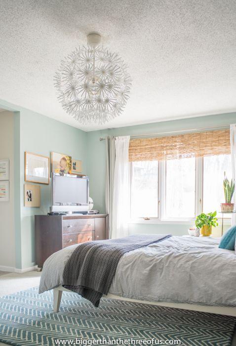 Airy bedroom decor