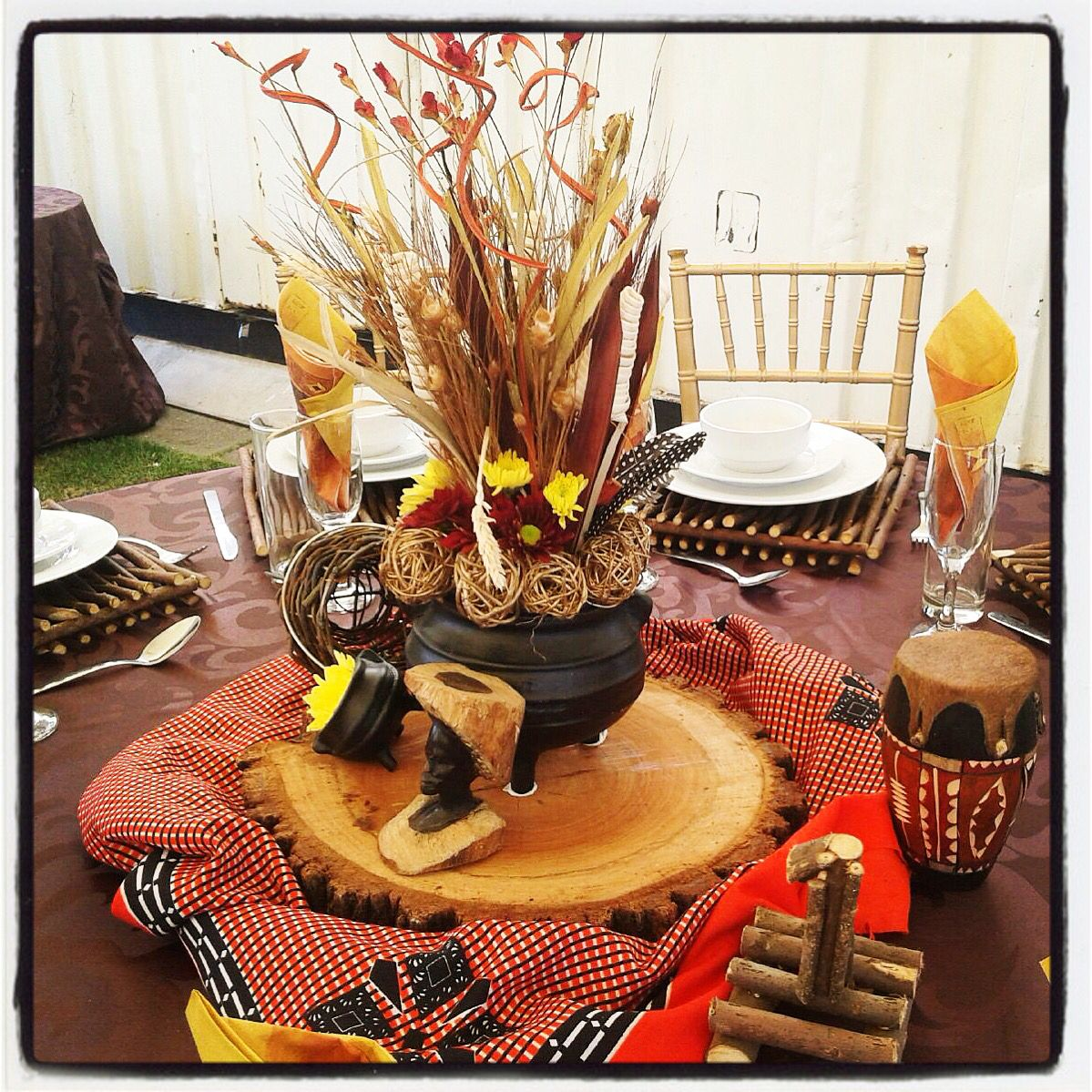 Traditional african wedding centerpieces and decor www for African party decoration ideas