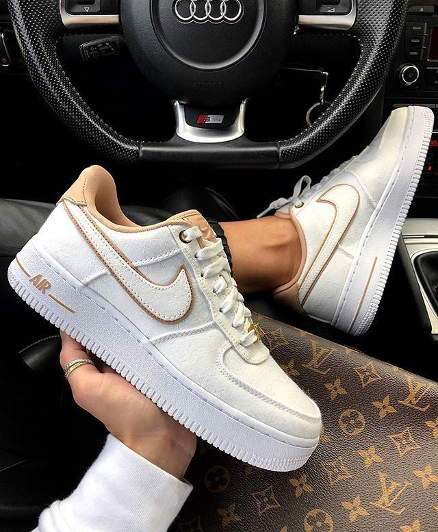 Blanc Nike Air Force 1 '07 Baskets Motif Cœur Femme Blanc