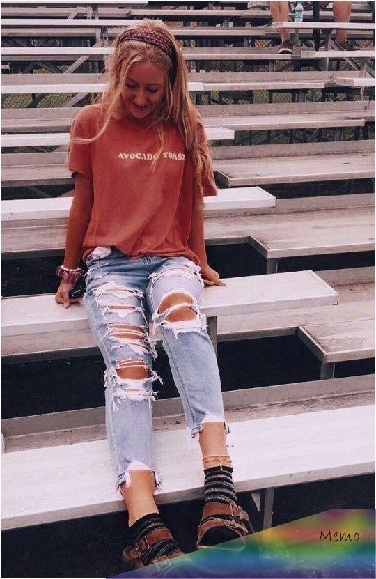 Apr 24, 2020 - trendy outfits for school #trendy #outfits ~ trendy out